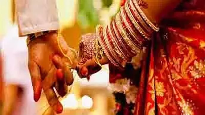 बरसात का बहाना बना प्रेमी शादी से किया इंकार, प्रेमिका पहुंच गई महिला थाना, फिर...