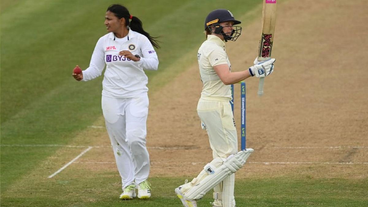 IND Vs ENG W LIVE Cricket Score: पहले दिन टीम इंडिया के स्पिनरों ने दिखाया जलवा,  इंग्लैंड को बैकफुट पर धकेला, आज मैच पर पकड़ बनाने उतरेंगी भारतीय महिलाएं