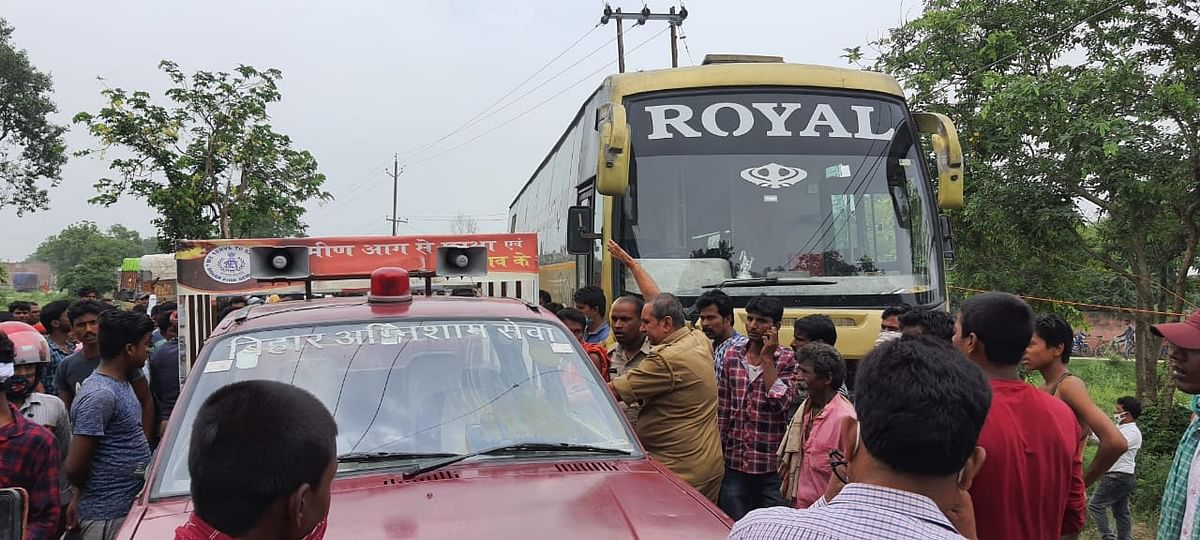 बिजली तार की चपेट में आयी सहरसा से दिल्ली जा रही बस, एक की मौत, कई जख्मी