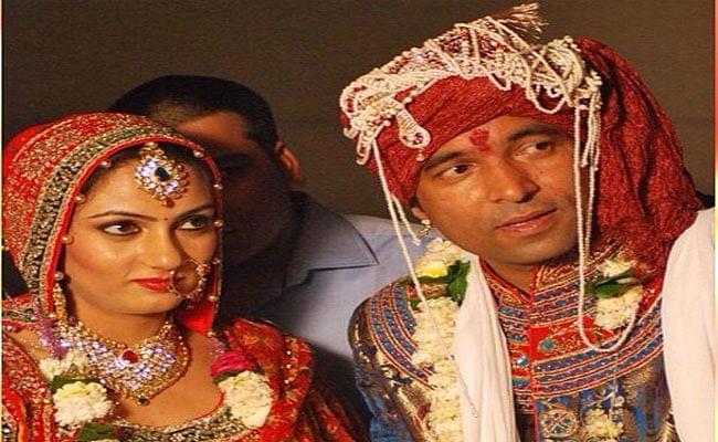 The Kapil Sharma Show के 'चंदू चायवाले'  की पत्नी के चेहरे से नजर नहीं हटा पाएंगे आप, कुछ ऐसी दिखती हैं Chandan Prabhakar की वाइफ