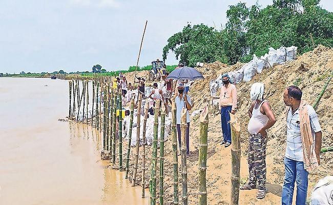 Bihar Flood 2021: बेगूसराय के दर्जनों गांव पर कटाव का खतरा, सैकड़ों एकड़ उपजाऊ जमीन भी गंगा में हो जायेगी विलीन
