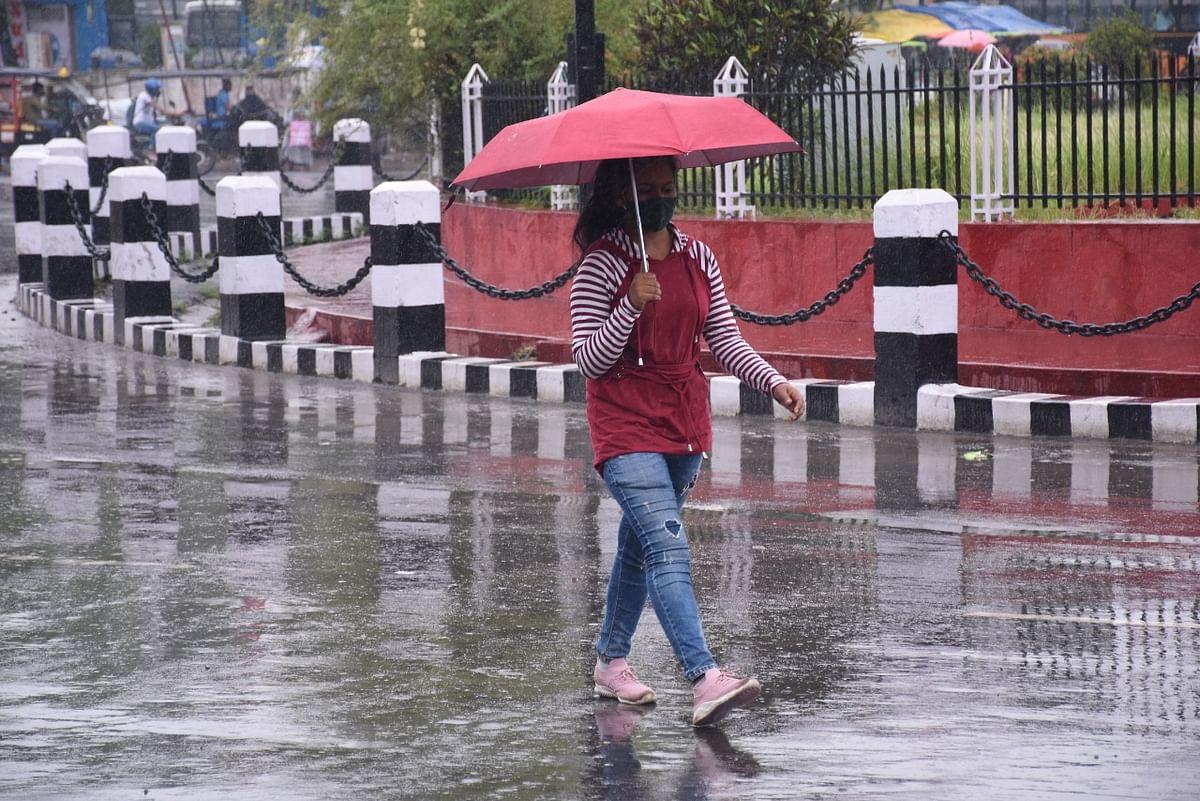 Weather Forecast Today LIVE Updates :  यूपी-दिल्ली सहित इन राज्यों में होगी मूसलाधार बारिश, बिहार-झारखंड में अलर्ट, जानें अपने इलाके के मौसम का हाल