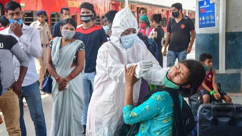 Coronavirus India News Update: कर्नाटक ने आज 148 मौतें, पश्चिम बंगाल में पिछले 24 घंटे में कोरोना के 3,187 नए मामले, कोरोना से 730 डॉक्टरों की मौत