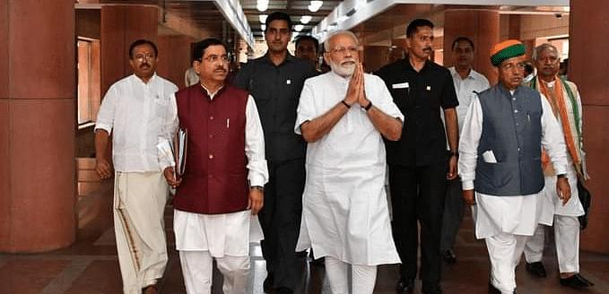 Modi Cabinet Reshuffle : बिहार और यूपी से इन्हें मिलेगी मोदी कैबिनेट में जगह ? 8 जुलाई तक सारी बैठक रद्द