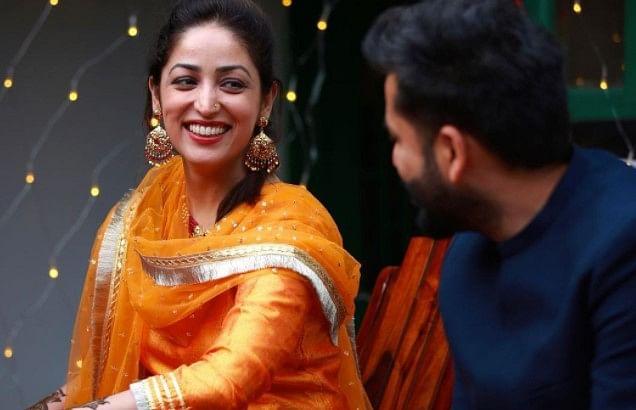 यामी गौतम की खूबसूरती को निहारते रह गये आदित्य धर, मेहंदी से लेकर लेकर शादी तक की ये अनदेखी PHOTOS