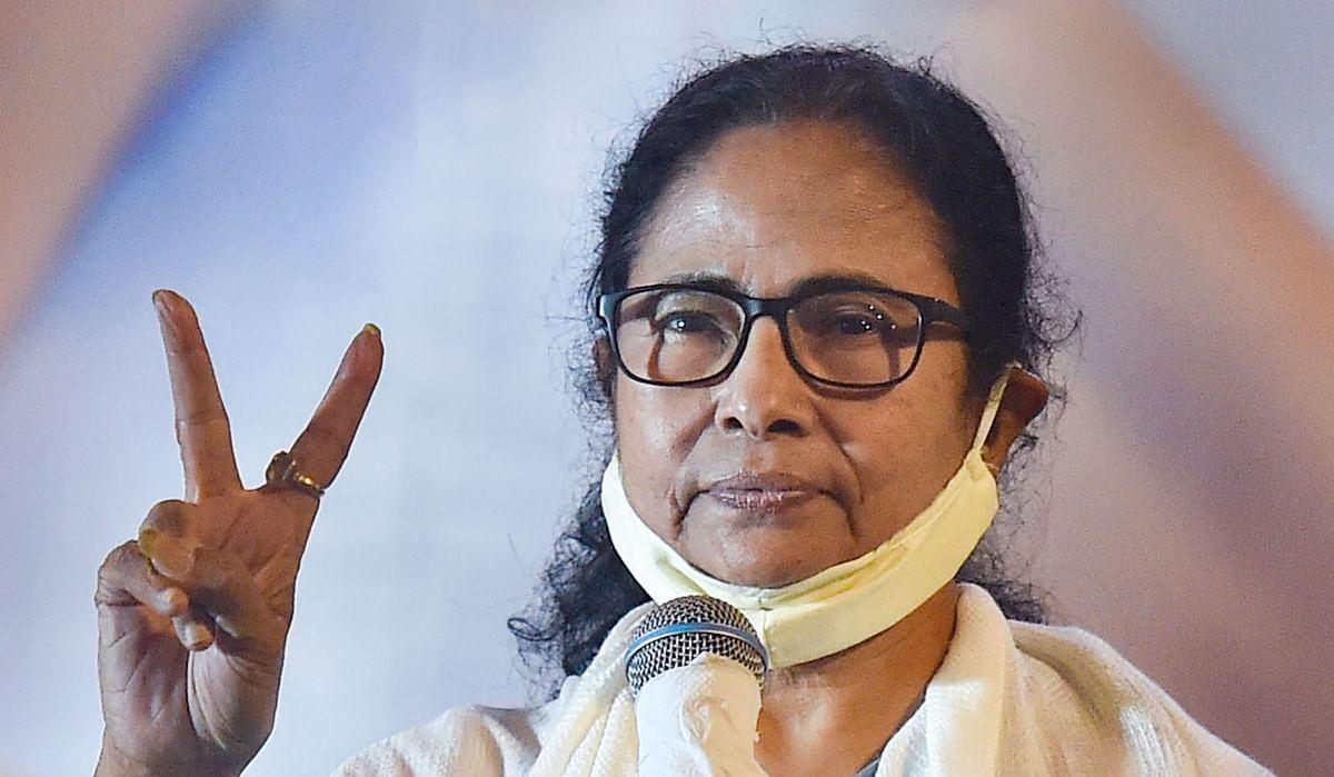 ममता बनर्जी के 30 दिन, CM बनने के बाद हिंसा पर घिरी दीदी, यास भी गुजरा, छोड़ गया सियासी बवंडर