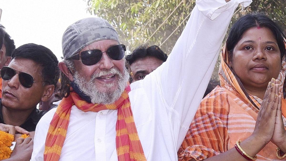 मिथुन चक्रवर्ती के बयान पर बंगाल में चुनाव के बाद भड़की हिंसा! पुलिस ने 'कोबरा' से पूछा- भाजपा के कहने पर दिया बयान?