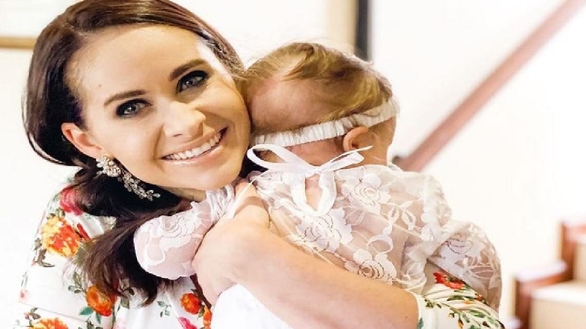 एबी डिविलियर्स की वाइफ ने शेयर की वामिका और अपनी बेटी की अनदेखी तसवीरें, अनुष्का का आया प्यारा मैसेज