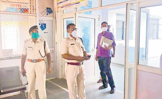 बिहार में जेल जाने से बचाने को आरोपित की कोरोना जांच रिपोर्ट बनायी पॉजिटिव, ऐसे हुआ खुलासा...