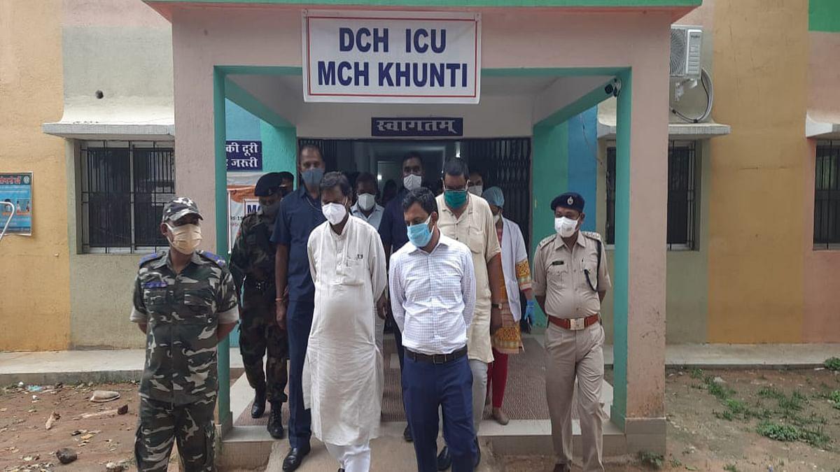 Corona Vaccination Update News : केंद्रीय मंत्री अर्जुन मुंडा ने सभी से कोरोना टीका लेने की अपील की, बोले- बिना डरे टीकाकरण में हों शामिल