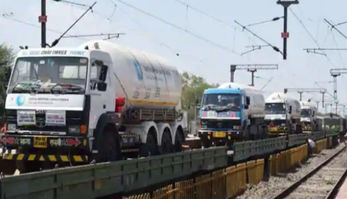 महामारी के दौर में भारत की लाइफलाइन बन गई रेलवे, 42 दिनों में 25,000 मीट्रिक टन ऑक्सीजन पहुंचाकर स्थापित किया कीर्तिमान