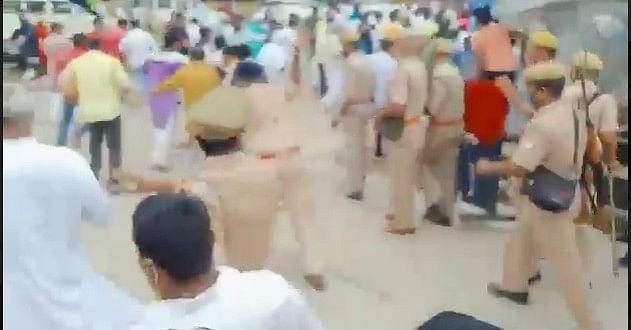 UP NEWS : मंत्री के लिए गेट खोला तो विधायक व एसपी के बीच हो गई धक्का-मुक्की, पुलिस ने बरसाईं लाठियां
