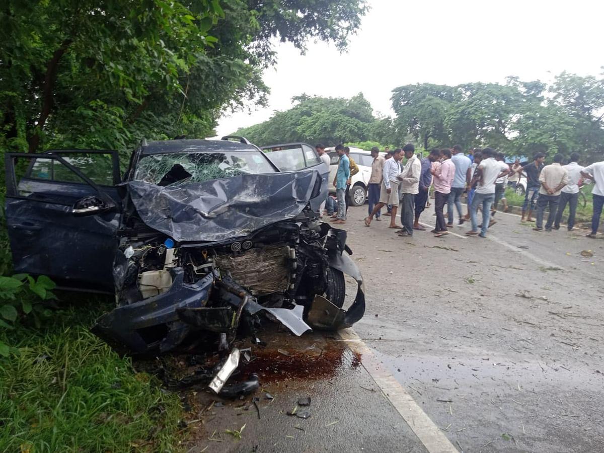 बिहार के रहने वालों की कार यूपी में दुर्घटनाग्रस्त, दो की मौत, जज समेत नौ घायल