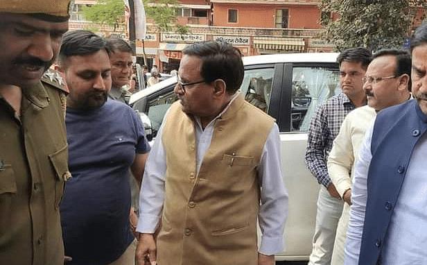 Rajathan News: फिर बोतल से बाहर निकला फोन टैपिंग का जिन्न, दिल्ली पुलिस ने कांग्रेस के इस कद्दावर नेता को भेजा नोटिस