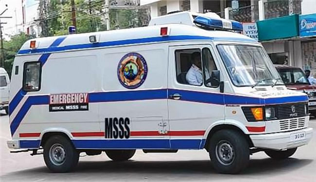 कोरोना की तीसरी लहर के मद्देनजर बच्चों की सुरक्षा को लेकर UP में अत्याधुनिक सुविधाओं से लैस एंबुलेन्स तैनात