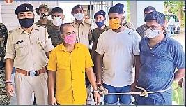 बिहार में रंगदार के साथ ट्रकों से वसूली कर रहे थे सहार थानेदार, सस्पेंड होने के बाद हुआ फरार