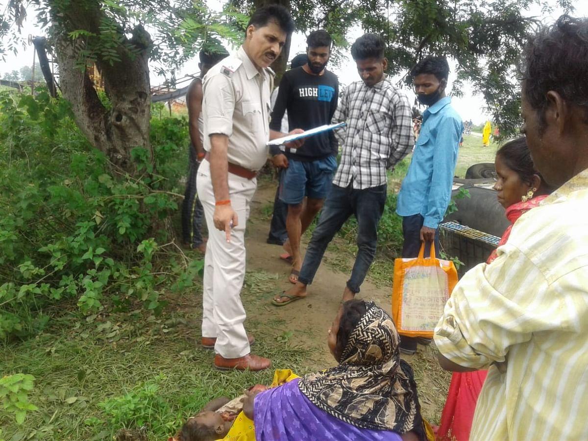 Jharkhand Road Accident News : झारखंड में शादी की खुशियां मातम में बदलीं, बाराती गाड़ी पलटने से हजारीबाग में मां-बेटे की मौत, दूल्हा सुरक्षित
