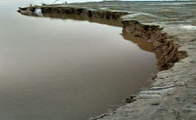 Flood 2021: बिहार में गांव की जमीन आगोश में लेने लगी गंगा और कोसी, कटाव ने बढ़ाई ग्रामीणों की चिंता, जानें अपडेट