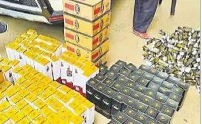 पटना में प्रेस लिखी गाड़ी से कर रहे थे शराब की तस्करी, पुलिस ने पकड़ा तो देने लगे धौंस, गिरफ्तार