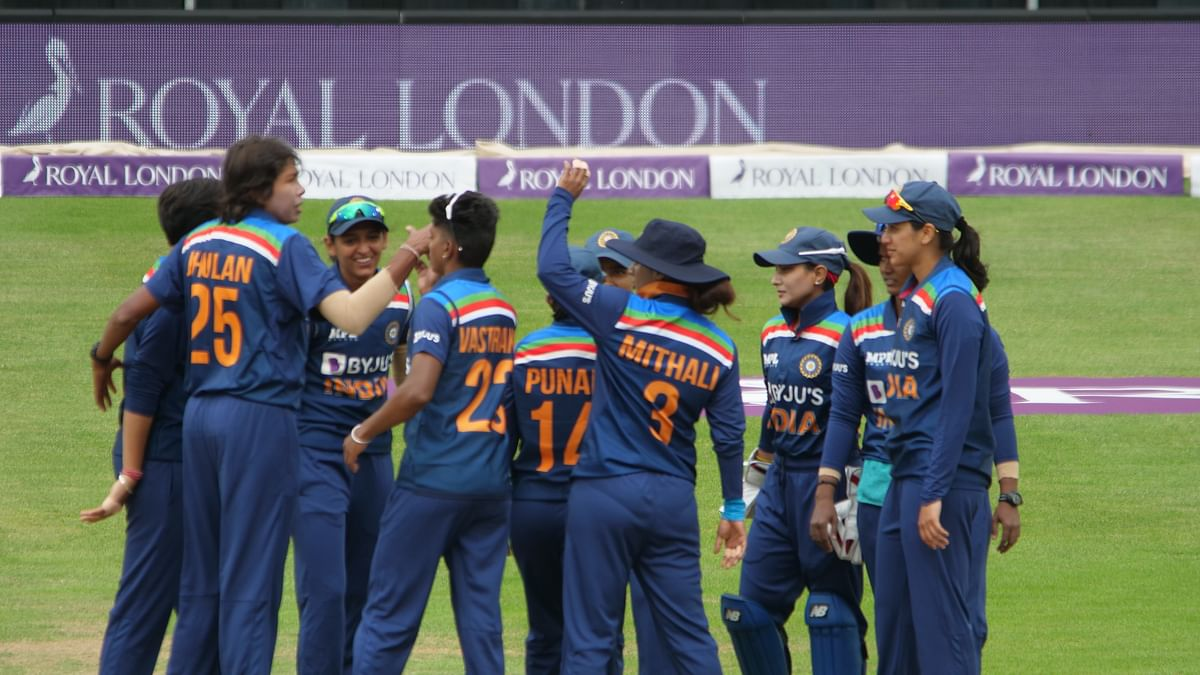 IND vs ENG W: इंग्लैंड के खिलाफ भारतीय महिला टीम का आज निर्णायक मुकाबला, यहां देख सकते हैं T20 की फाइनल जंग