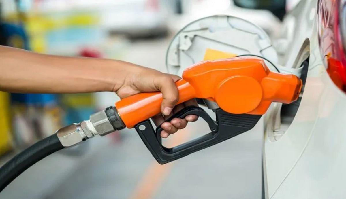 Petrol price hike : देश के 8 राज्यों में 100 के पार पहुंचा पेट्रोल का पारा, 7 हफ्ते में 26वीं बार बढ़ी पेट्रोल-डीजल की कीमत