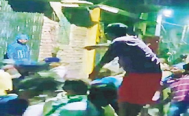 कासिम बाजार हत्याकांड: वायरल वीडियो ने मुंगेर पुलिस की खोली पोल, पुलिस के सामने भीड़ ने की थी पिता-पुत्र की हत्या!