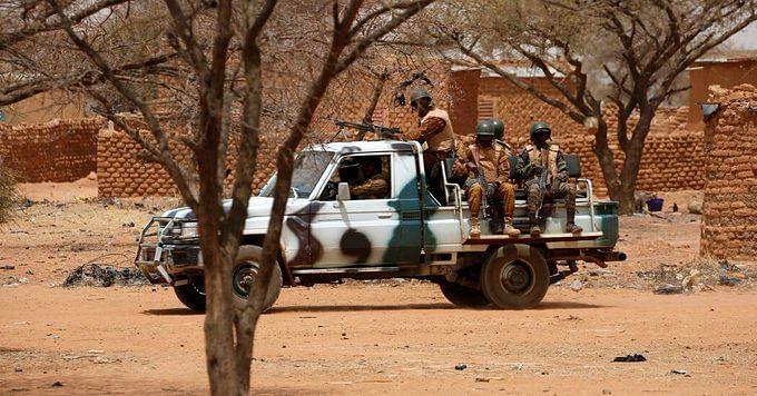 Burkina Faso Militant Attack : जिहादियों ने 100 लोगों की कर दी हत्या, घरों और बाजार में लगाई आग