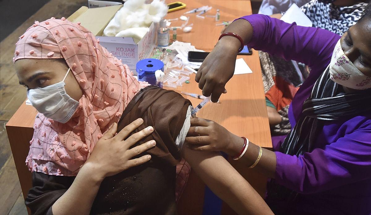 बंगाल में आज से शुरू नहीं हो रहा मुफ्त टीकाकरण, जानें ममता बनर्जी की सरकार ने क्या बतायी वजह