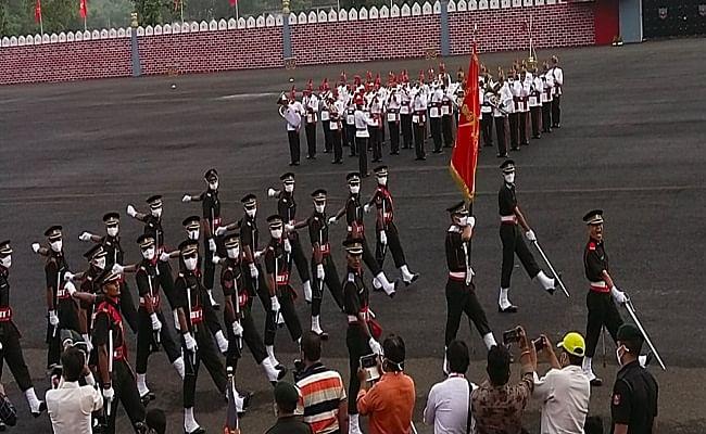 VIDEO: OTA गया में 19वीं पासिंग आउट परेड, देश की सेवा के लिए भारतीय सेना को मिले 20 नये अधिकारी, देखें LIVE समारोह