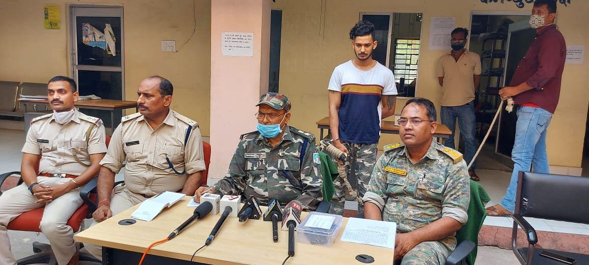 Jharkhand Crime News : रांची में सागर राम हत्याकांड का मुख्य आरोपी गिरफ्तार, अन्य आरोपियों की तलाश में जुटी पुलिस, हत्या से आक्रोशित लोगों ने आरोपी के घर में की तोड़फोड़