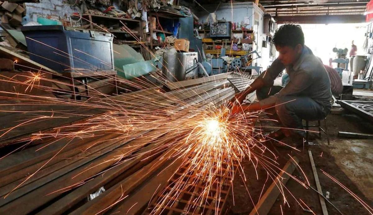 आर्थिक मोर्चे पर मोदी सरकार को बड़ी सफलता, जून में 8.9 फीसदी बढ़ा 8 बुनियादी उद्योगों का उत्पादन