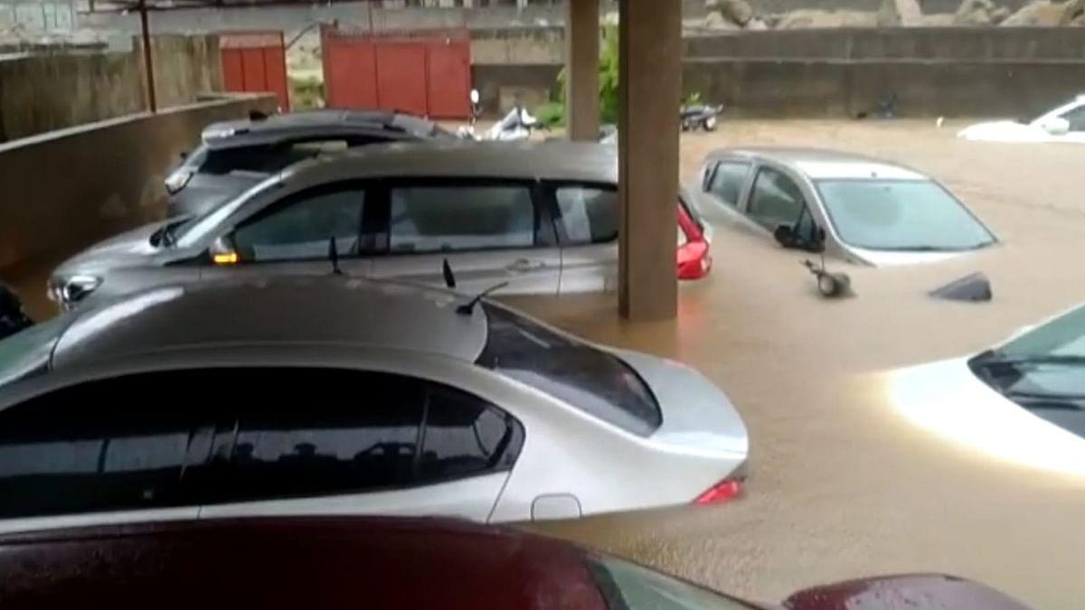 Jharkhand Weather News: झारखंड के कई इलाके जलमग्न, रांची में वाहन डूबे, ताे रामगढ़ में नदियां उफान पर