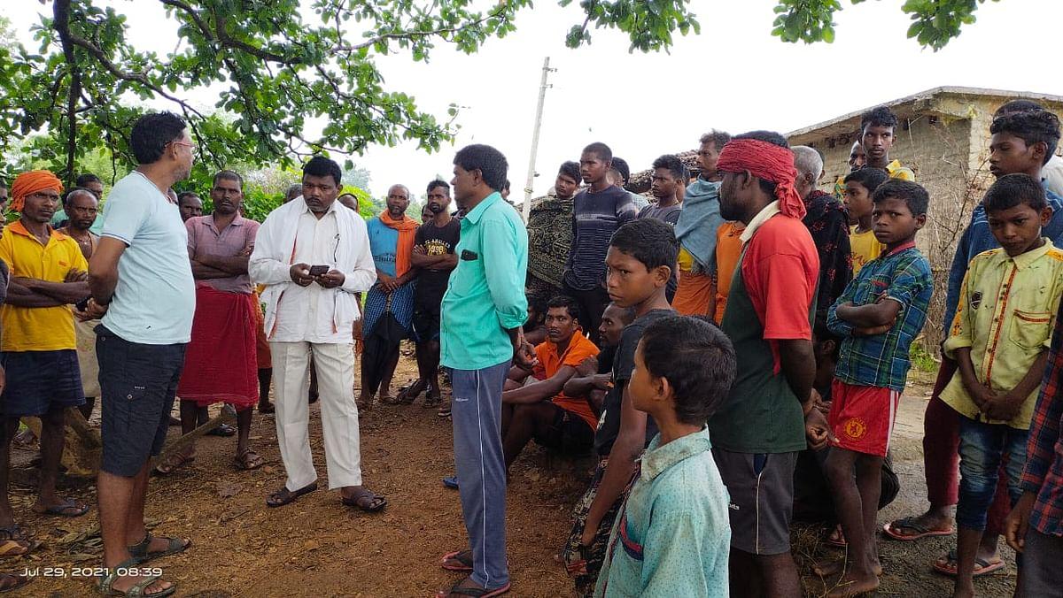 धान रोपने के लिए खेत में पानी पटाने के दौरान करंट लगने से एक ही परिवार के तीन लोगों की मौत,गांव में पसरा मातम