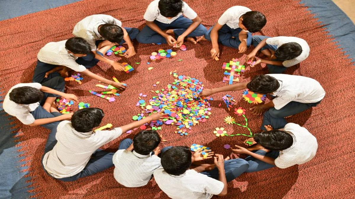 National Parents Day 2021 : गरीब परिजनों का समर्पण ऐसा कि बच्चों के लिए बदल दी अपनी जिंदगी