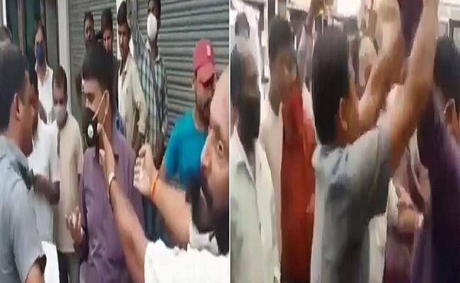 VIDEO: बिहार में सीओ को घेरकर पहनायी नोटों की माला, हाथापाई के बीच भागते दिखे अधिकारी, जानें पूरा मामला