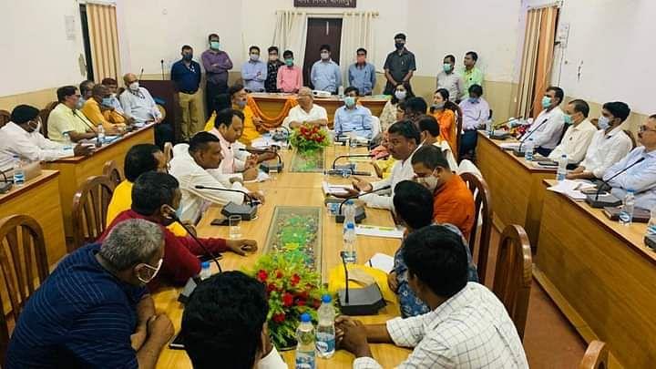 डिप्टी सीएम तारकिशोर की मीटिंग में अधिकारियों पर भड़के JDU विधायक गोपाल मंडल, कहा- 'इन्हें सुधारने की जरुरत'