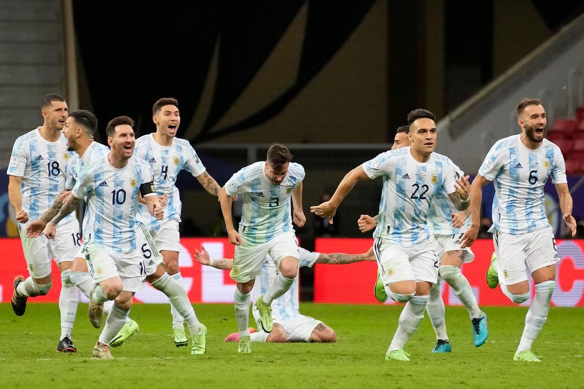 Copa America 2021 ब्राजील को मिली हार तो भारत में भिड़ गये पिता-पुत्र, वीडियो देख छूट जाएगी आपकी हंसी