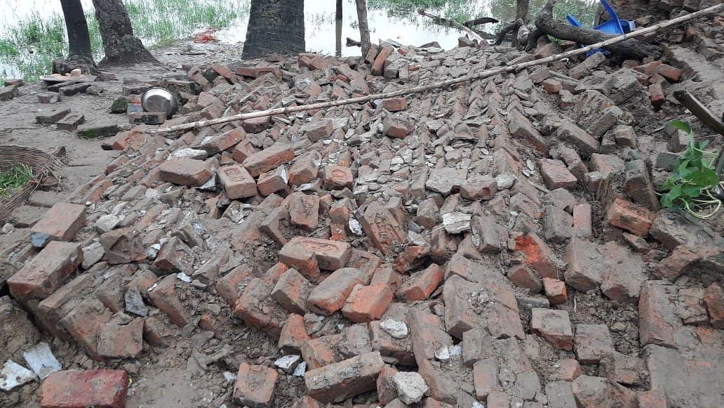सीतामढ़ी में बारिश के दौरान दीवार गिरने से तीन मासूम की मौत, कोहराम