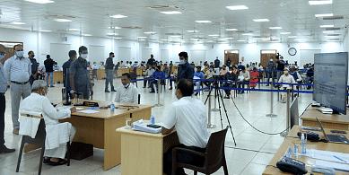 जनता दरबार में नीतीश कुमार ने सुनी 146 लोगों की फरियाद, पूछा- सहायिका-सेविका का मानदेय क्यों है लंबित