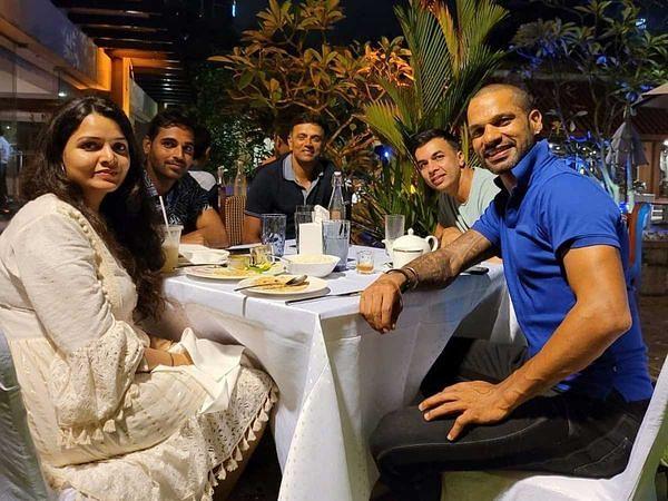 IND vs SL: लंका फतह के बाद राहुल द्रविड़ ने खिलाड़ियों को दिया ट्रीट! धवन ने शेयर की डिनर पार्टी की फोटो