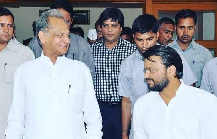 Rajasthan Congress Crisis: सावन शुरू पर बारिश का पता नहीं, गहलोत-पायलट के सियासी टशन पर सीएम के OSD का ट्वीट