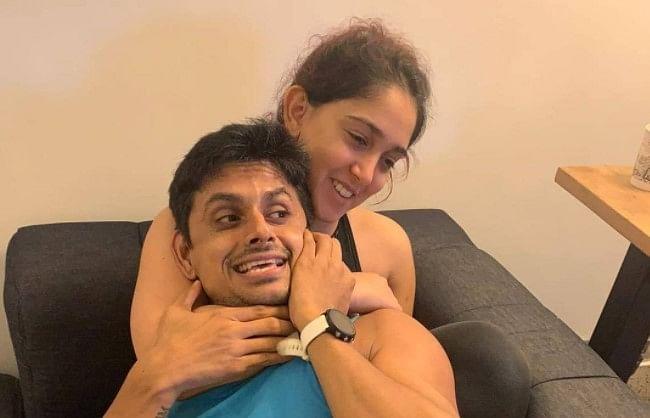 Ira Khan ने तसवीर शेयर कर बॉयफ्रेंड नुपुर को बताया ड्रामेबाज, सोफे पर बैठकर यूं मस्ती करता दिखा कपल