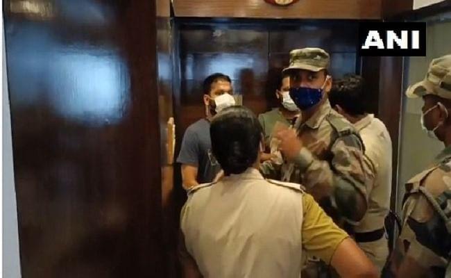 प्रशांत किशोर की I-PAC की टीम अगरतला के होटल में नजरबंद, बाहर निकलने पर पाबंदी, पुलिस अधिकारी ने दी ये जानकारी