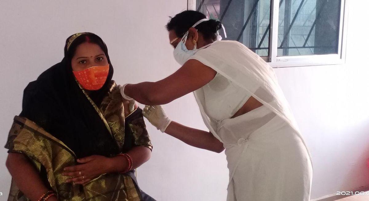 Corona Vaccination In Ranchi : रांची में आज 13 केंद्रों पर टीकाकरण, यहां लग रहा कोवैक्सीन का टीका