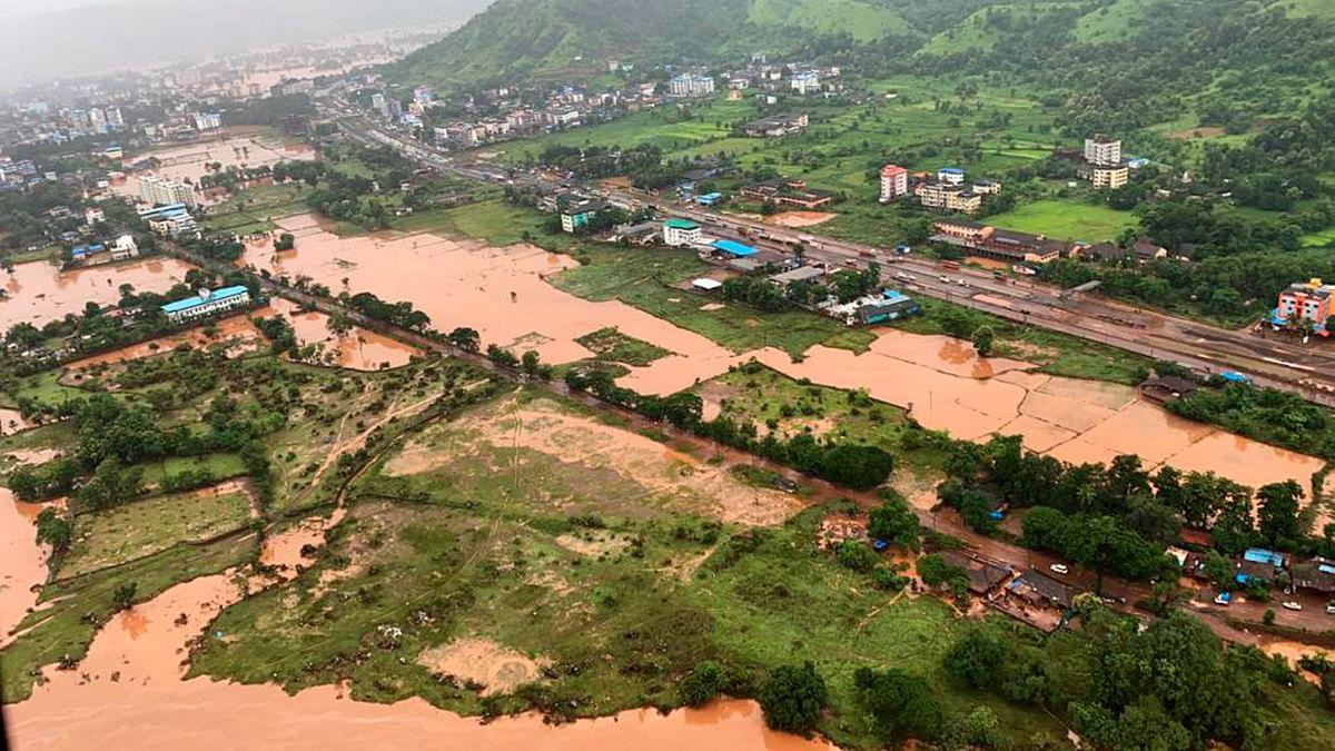 बारिश का कहर : महाराष्ट्र के रायगढ़ में भूस्खलन, 36 लोगों की मौत, 35 से ज्यादा अब भी मलबे में दबे