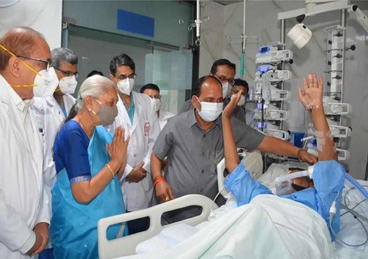 36 घंटे बाद कल्याण सिंह ने किया रिस्पांड, हालत में पहले से सुधार