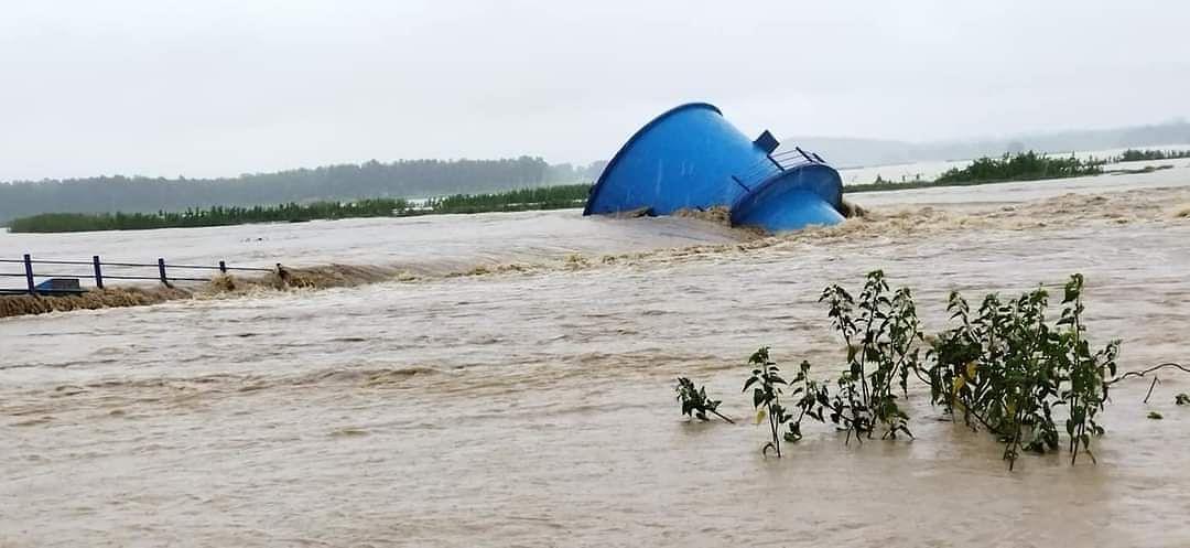 झारखंड के बोकारो में कोनार डैम से पानी छोड़ने से इंटक वेल धंसा, विधायक ने किया जांच का आग्रह