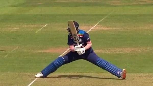 IND vs ENG W 2nd ODI: शेफाली वर्मा ने अपने फुल स्ट्रेच से दिला दी धौनी की याद..लेकिन आउट होने पर हुआ विवाद, वीडियो वायरल