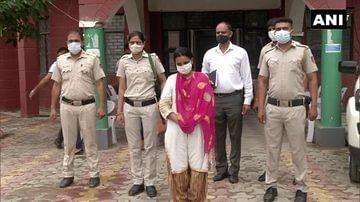 दिल्ली के दंपती ने वृद्ध महिला की बेदर्दी से हत्या की, शव को टुकड़ों में काटकर नाले में बहाया, ये है  वजह ...