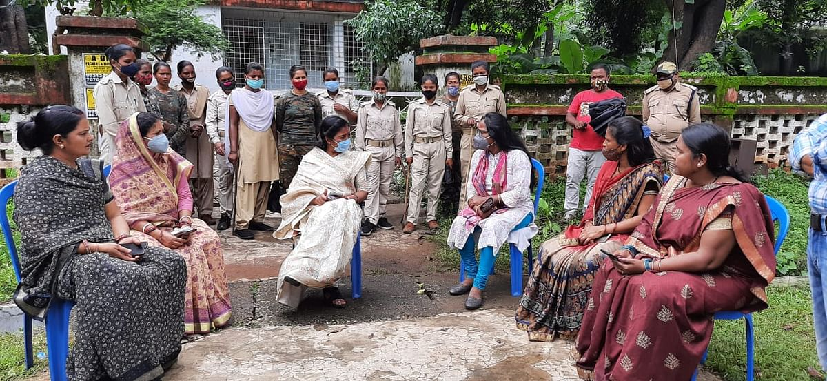 विधायक ममता देवी ने CCL के क्वार्टर पर किया अवैध कब्जे का प्रयास, रजरप्पा प्रबंधन ने जड़ा ताला,थाने में शिकायत